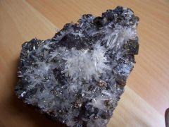 Quartz et pyrite sur blende