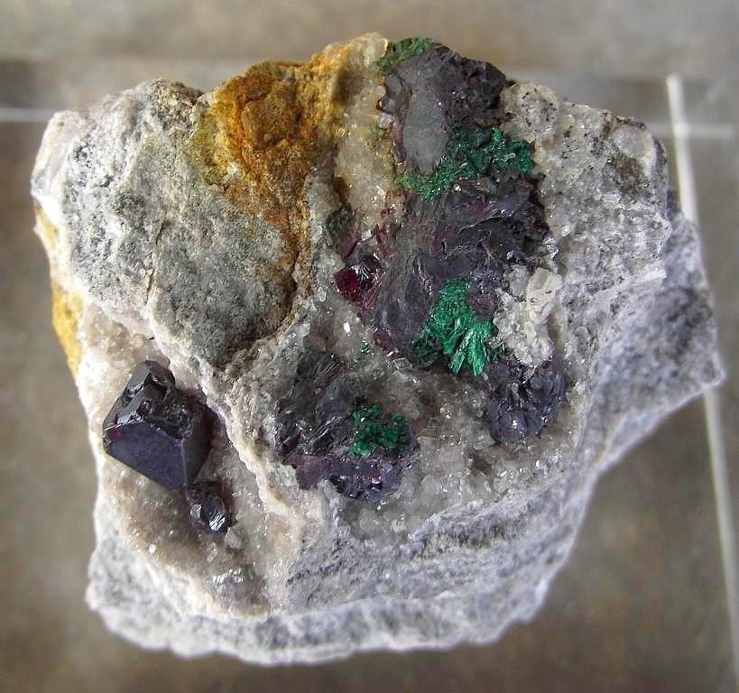 Cuprite, Malachite et calcite