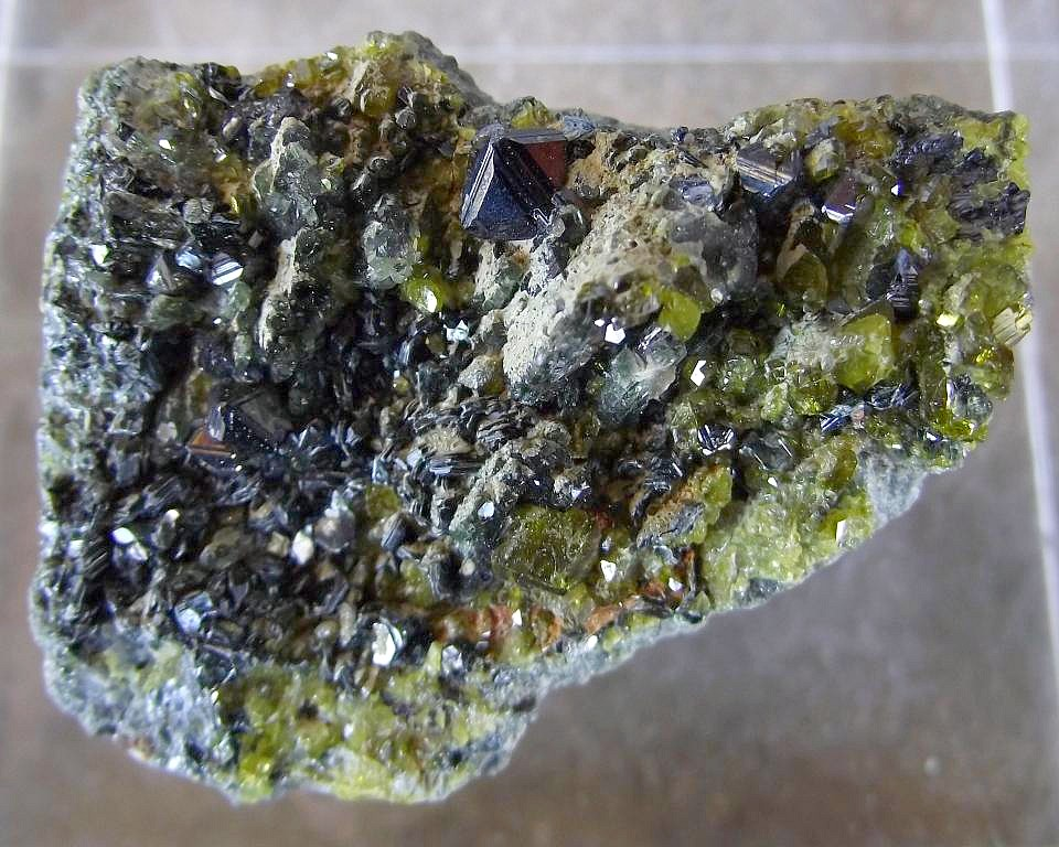 Magnétite, Epidote et Clinochlore