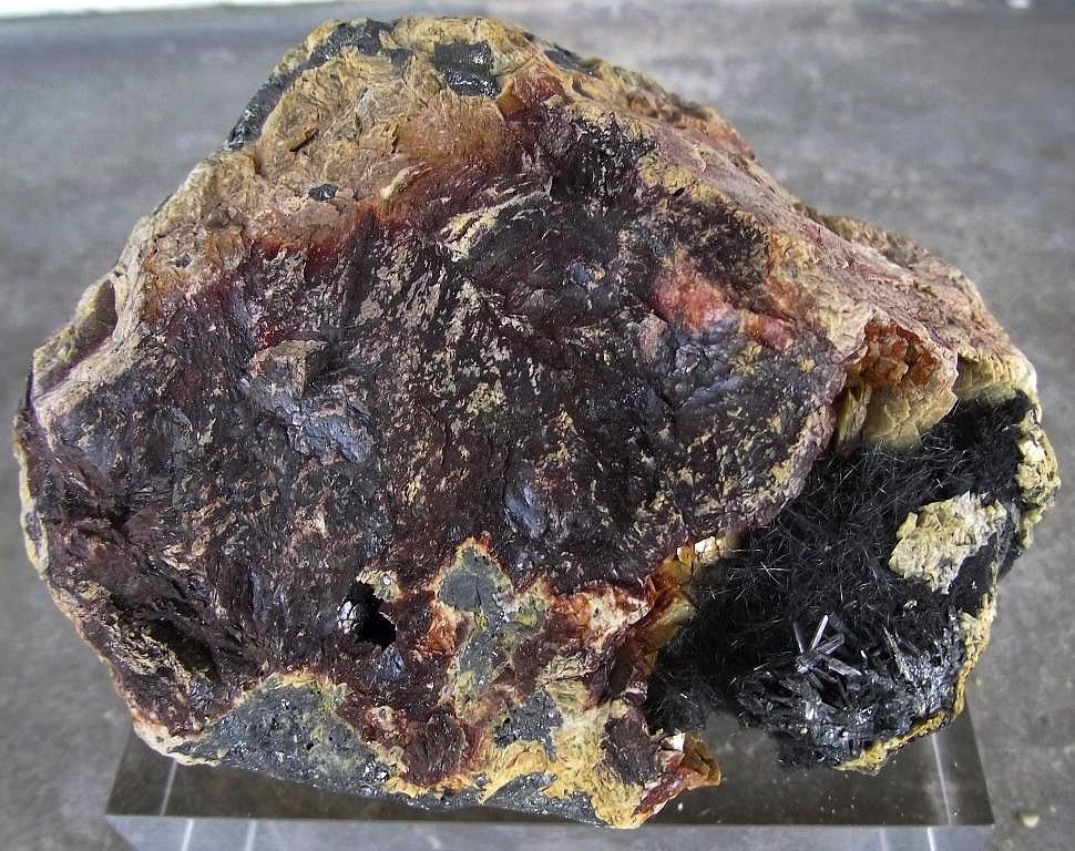 Dadsonite, Zinkénite Chalcostilbite et Sidérite
