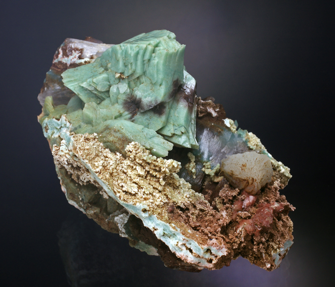 Heulandite-celadonite-1.jpg