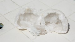 Géode de quartz, cleavelandite