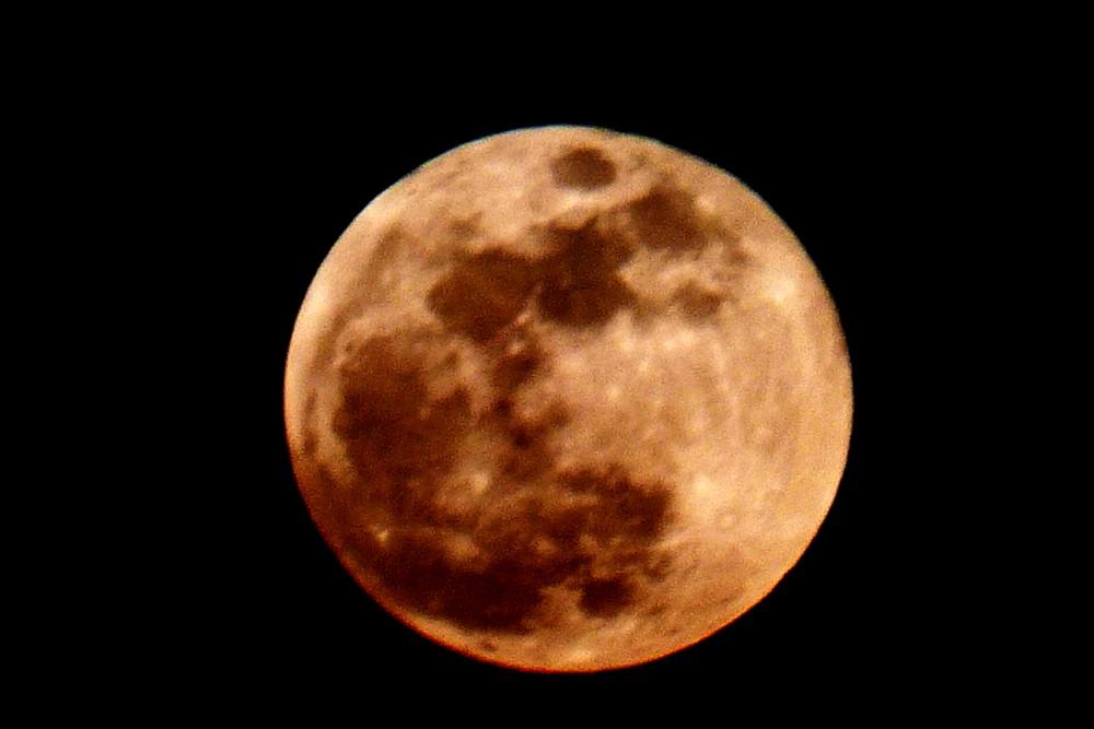 5a721dd07544d_lune4.thumb.jpg.c13311508a107213e963ba17d950434c.jpg