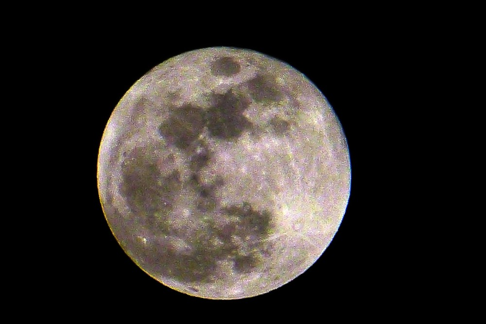 lune2.thumb.jpg.73818ad4082dc149eaf5bf9f207ea457.jpg