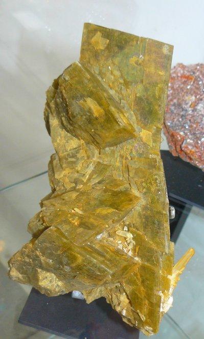 siderite-saint-pierre-de-mesage-isere-mineral-2.jpg