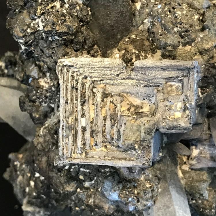 -galene-cristaux-madan-bulgarie-2.JPG