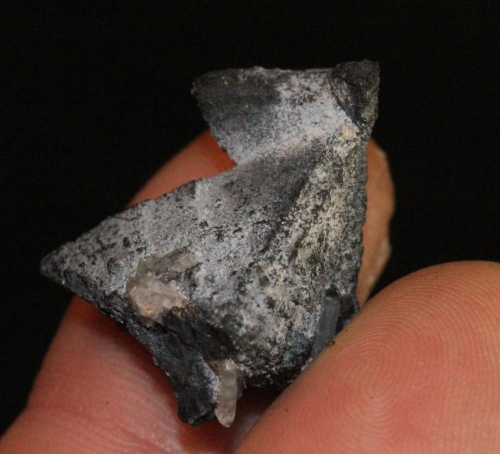 tetraedrite-tetrahedrite-mineral.thumb.jpg.507d7e97811b36c3b148a6426b24a924.jpg