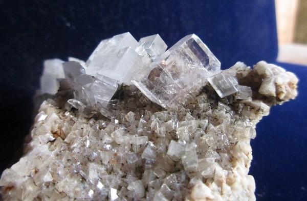 -cristaux-baryte-mineral.jpg