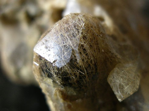 -meneghinite-quartz-entre-deux-roches-lauziere-savoie.jpg