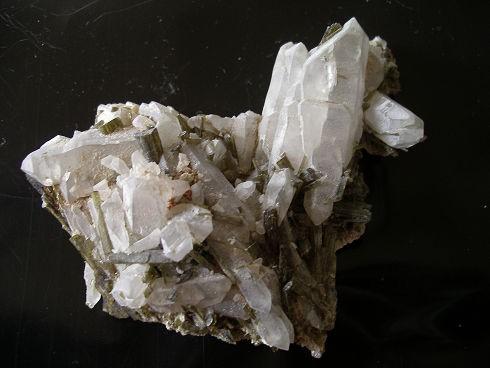 epidote-quartz-glandon-savoie-7.jpg
