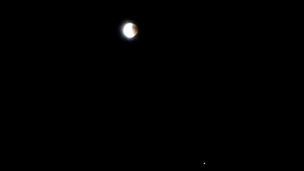 lune1.thumb.jpg.d0fa0f31314df96b2c94088f2be92731.jpg