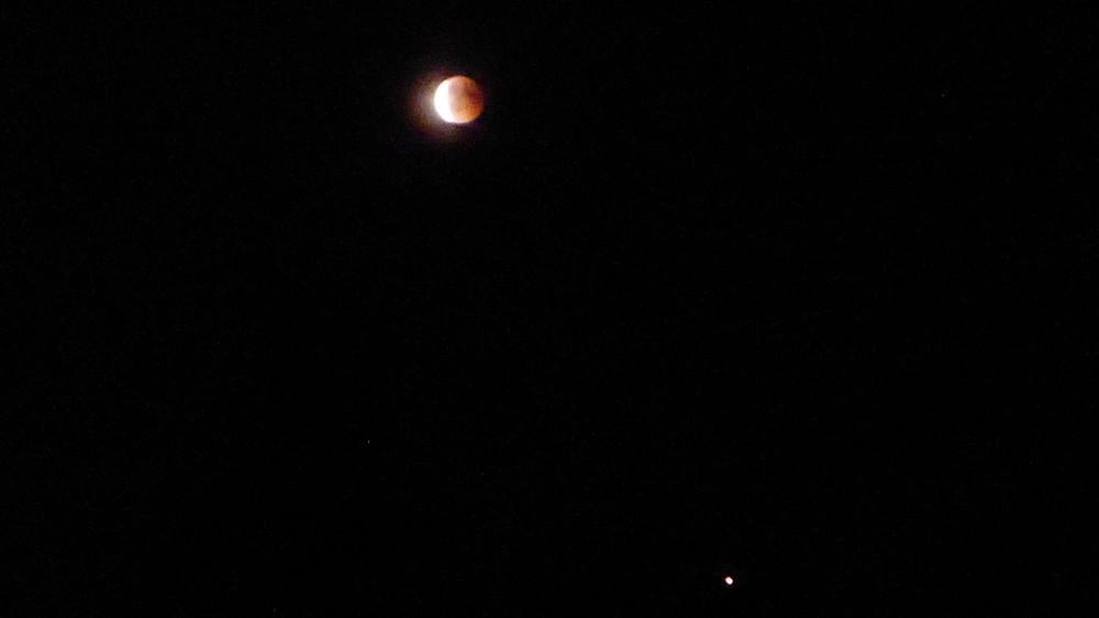 lune1.thumb.jpg.ef4c1fc69c028ca1c160b9959957e095.jpg