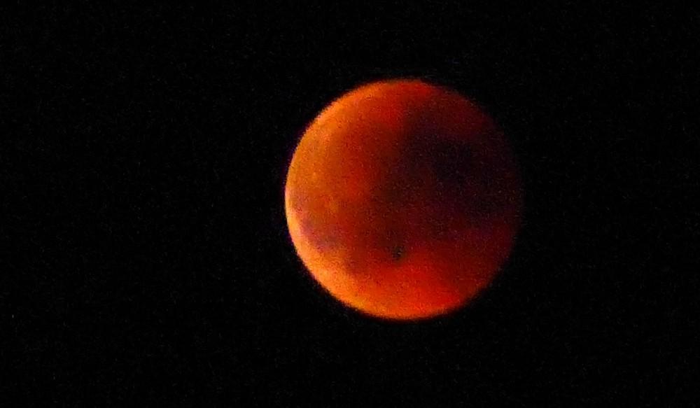 lune3.thumb.jpg.0055df4abc118c1111cb763f3abd557f.jpg