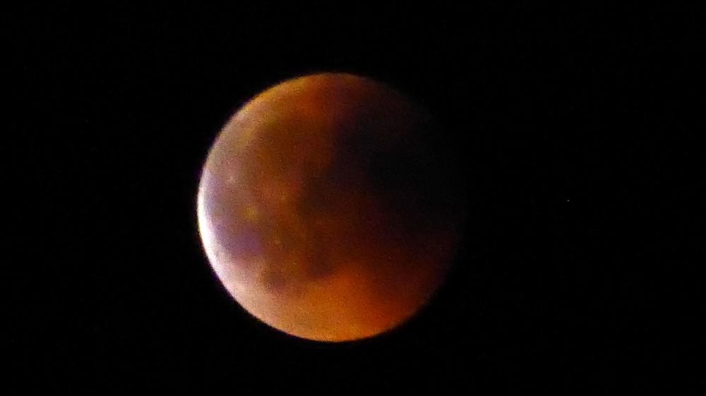 lune4.thumb.jpg.d612859db34a6408460433cbe660356f.jpg