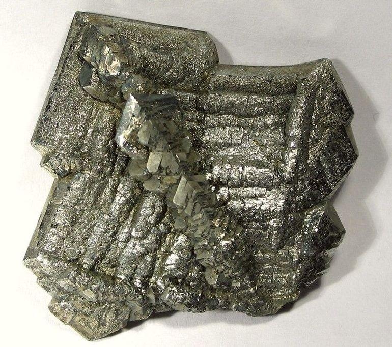 marcasite-macle-sperkise-cristaux.jpg