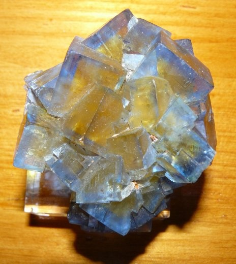 -fluorine-valzergues-aveyron-mineral-2.jpg
