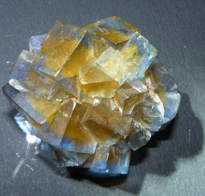 -fluorine-valzergues-aveyron-mineral-3.jpg