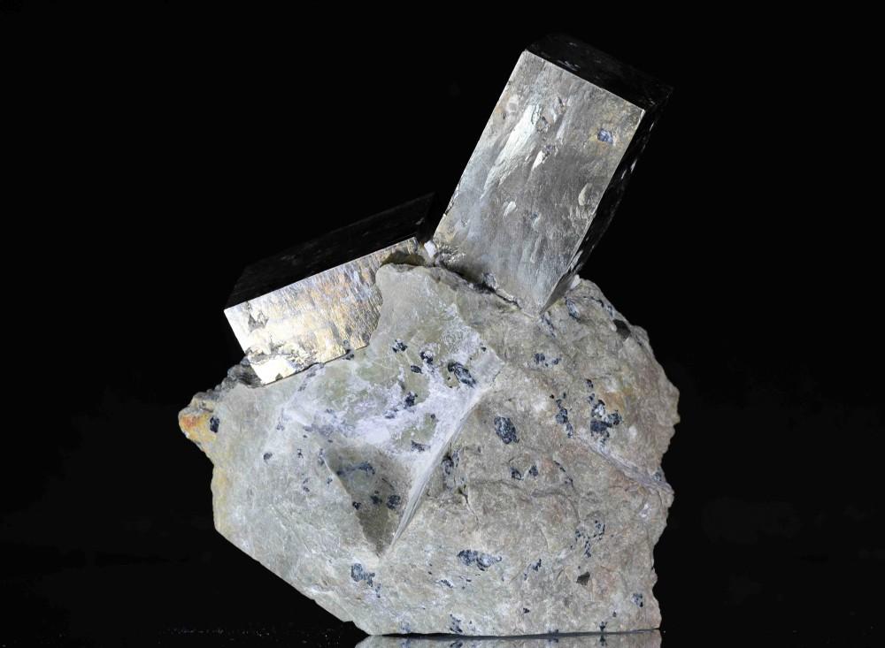 Pyrite Navajun 2.jpg