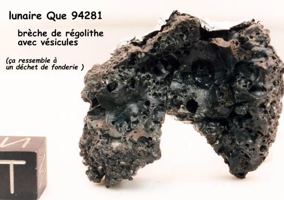 1-lunaire que 94281 avec vésicules , brèche de régolithe.jpg