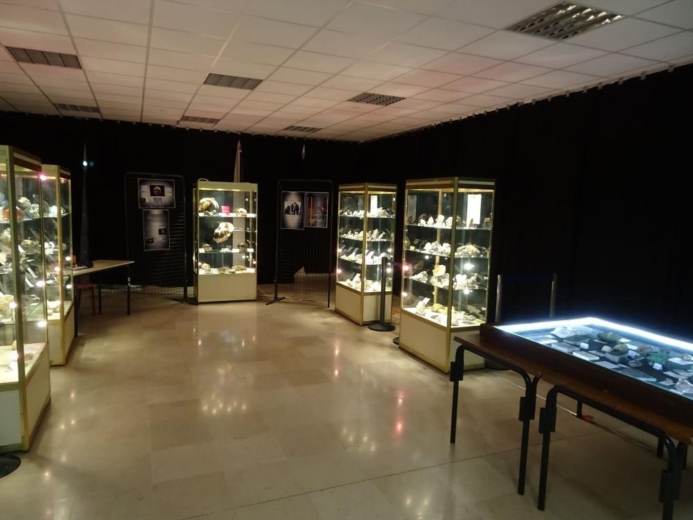 exposition-mineral-mineraux-beauvais.JPG