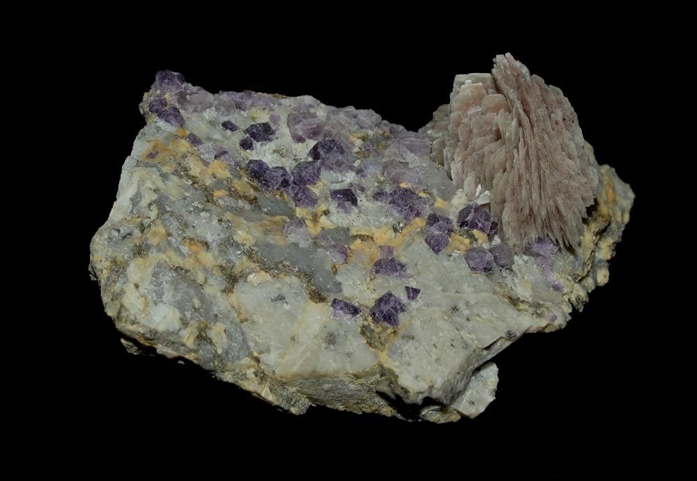 794618417_Fluorine-Baryte(6x4cm)StPray.thumb.jpg.9baaaafa49aac192985c6fc4d118fa4b.jpg