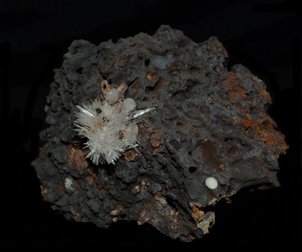 247572192_Aragonite(8x5cm).thumb.jpg.c15596a8922916aa03abb59c254821c1.jpg