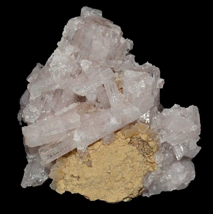 565910933_Aragonite(5x4cm)Chteaugay.thumb.jpg.08bd6bb6b11bb3a43698712851435043.jpg