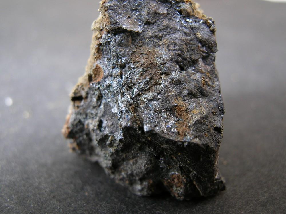 3 - stibine massive helas rien de bien en cristaux.JPG