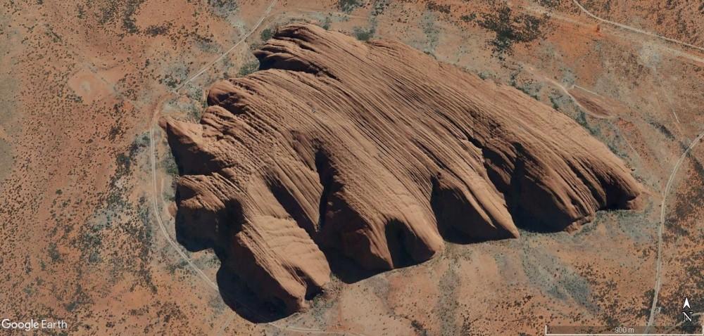 1639128384_UluruAustralie.thumb.jpg.146a61c9fe1d67bc9a67eef5d5e6a5d7.jpg