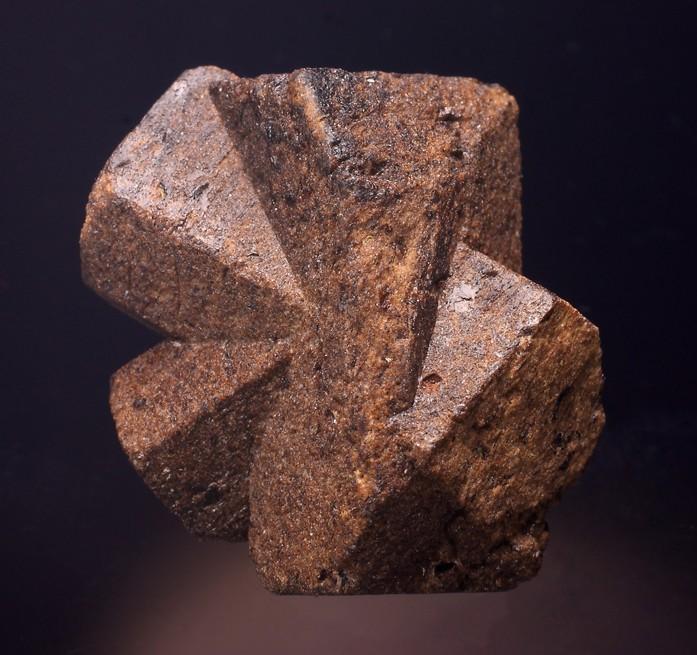 Staurodite-Coray-0.jpg.5acc4175589188cc0687469442b667c4.jpg