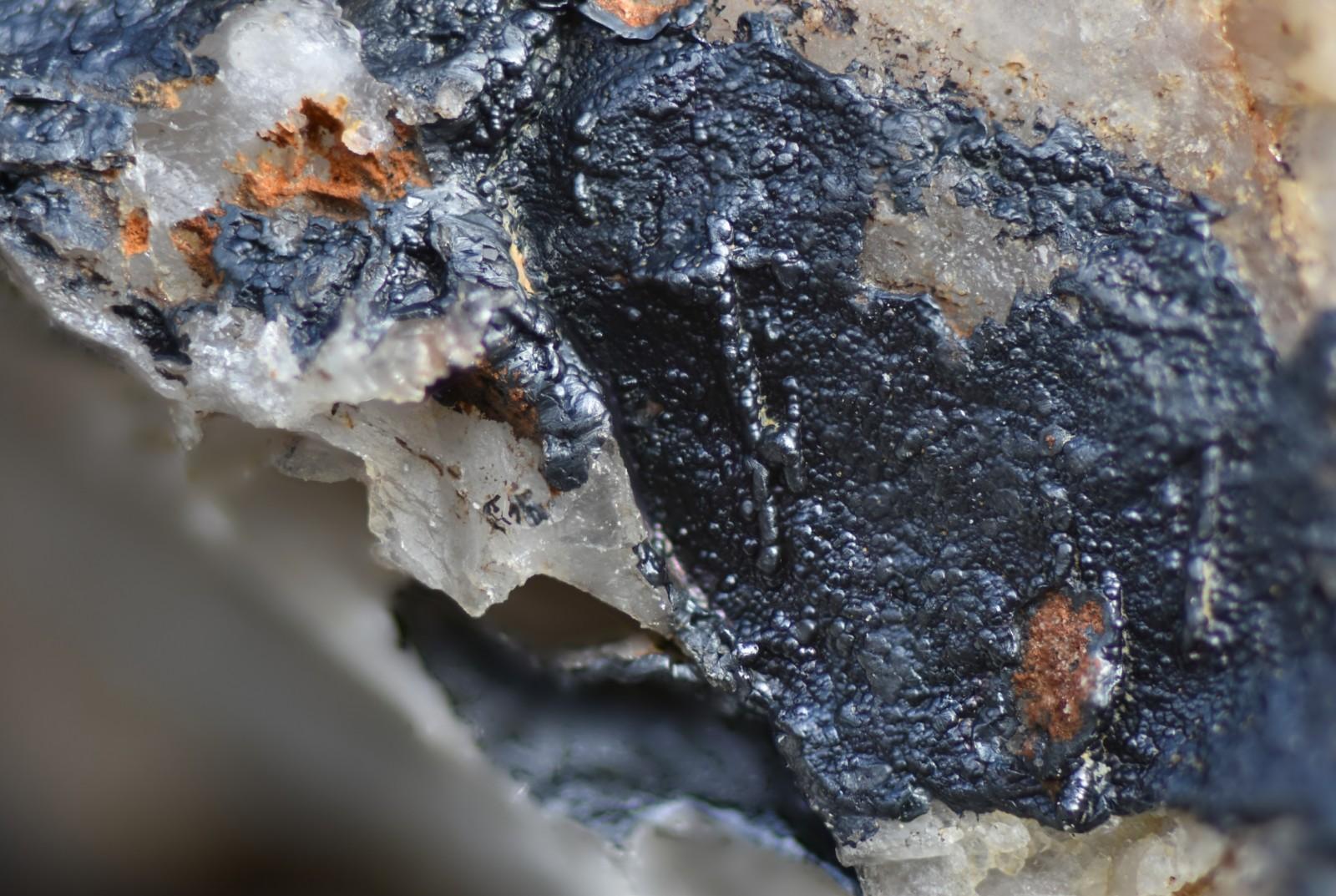 GOETHITE - Anciennes Mines de VAULRY - HAUTE-VIENNE (87)