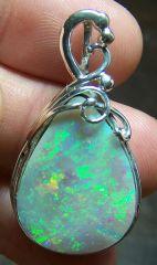 AB9 (2) Bijoux et Opales : Pendentif en argent et opale Australie Coober Pedy